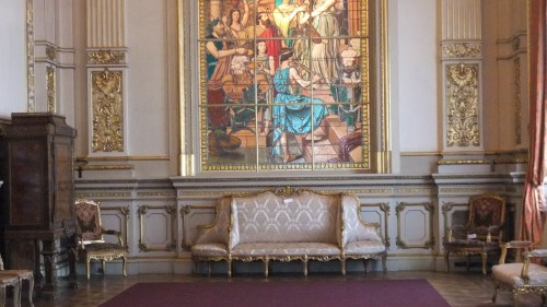 Dowry Couch at Teatro Colon